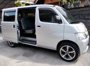 1. Sewa Mobil Semarang Lepas Kunci