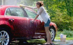 cuci mobil cewe sendiri