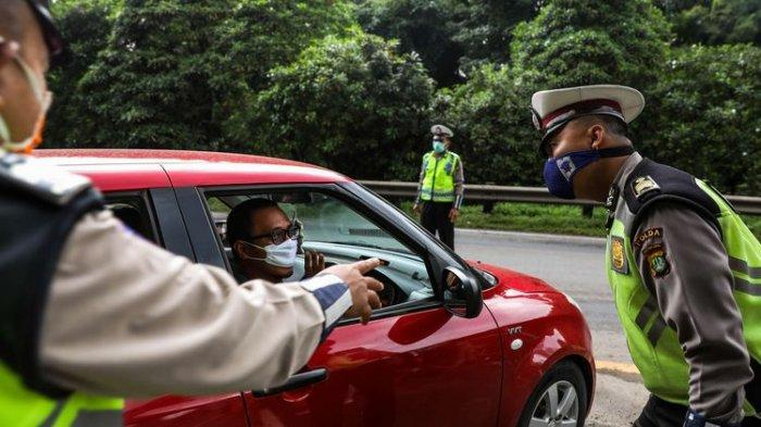 operasi corona di jalan oleh polisi