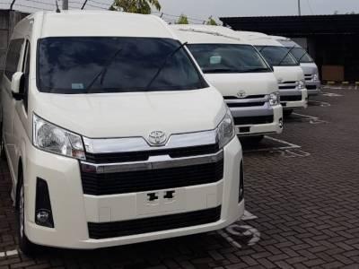 Sewa Toyota Hiace Commuter Dan Premio Di Jakarta