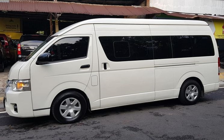 Sewa Hiace Commuter Di Jakarta
